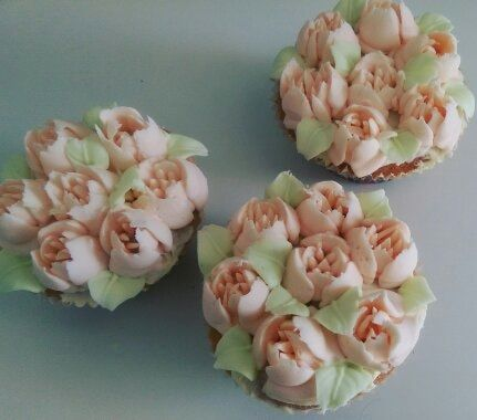Tulips Cupcakes